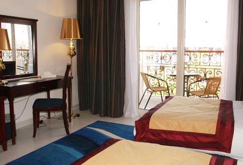 Фото отеля Golden Five Topaz Club Suites Hotel 4* (Голден Файв Топаз Клуб Сьютс Отель 4*)