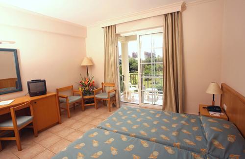 Фото отеля Euphoria Palm Beach Resort 5* HV1 (Эйфория Палм Бич Резорт 5* HV1)