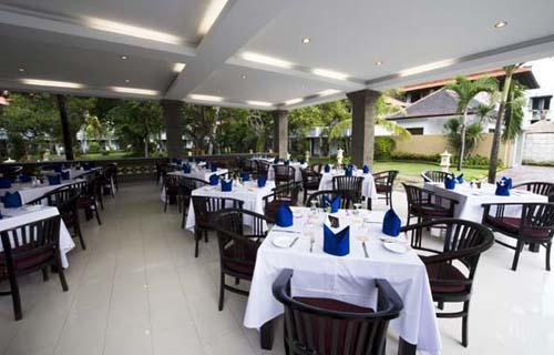 Фото отеля Puri Saron Hotel Seminyak 4* (Пури Сарон Отель Семиньяк 4*)