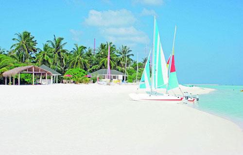 Фото отеля Holiday Island Resort & Spa 4* (Холидей Айленд Резорт энд Спа 4*)