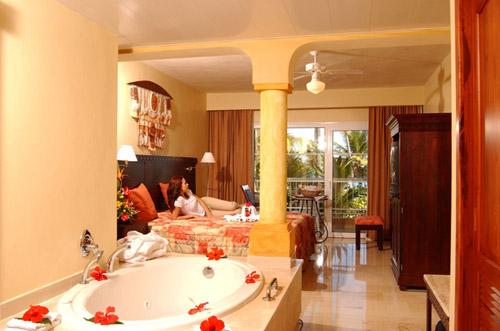 Фото отеля Grand Palladium Palace Resort Spa & Casino 5* (Гранд Палладиум Палас Резорт Спа энд Казино 5*)