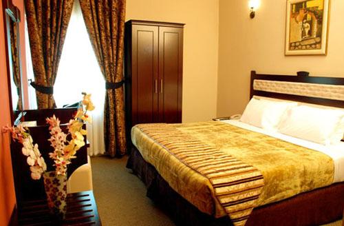 Фото отеля Al Bustan Tower Hotel Suites 4* (Аль Бустан Тауэр Отель Сьютс 4*)