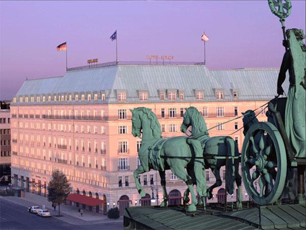Фото отеля Adlon Kempinski Berlin 5* (Адлон Кемпински Берлин 3*)