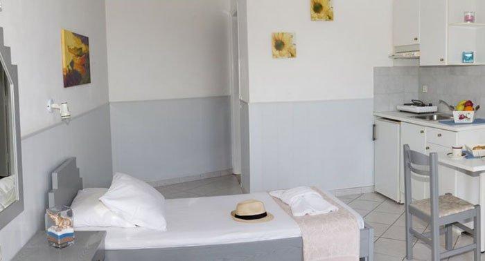 Фото отеля Irida Apartments 3* (Ирида Апартментс 3*)