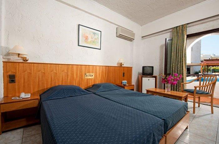 Фото отеля Heronissos Hotel 4* (Херонисос Отель 4*)