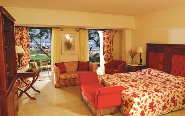 Фото отеля Roda Beach Resort & Spa 5* (Рода Бич Резорт энд Спа 5*)