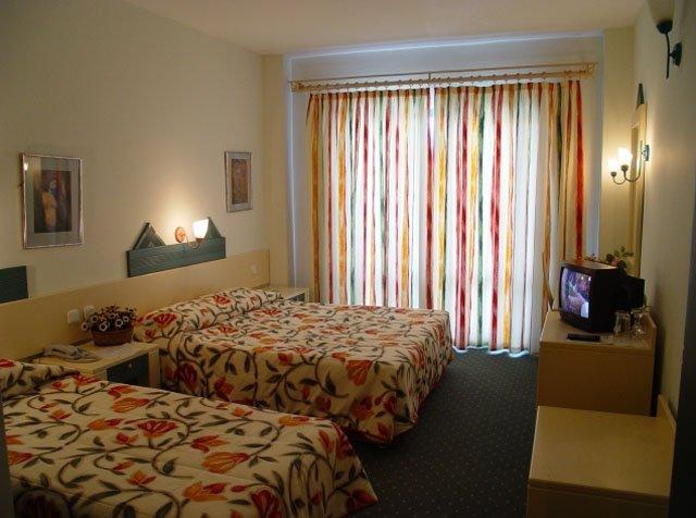 Фото отеля Tropical Hotel 4* (Тропикал Отель 4*)