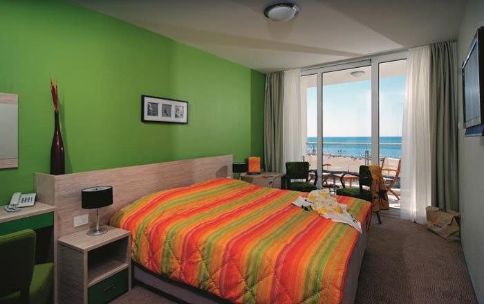 Фото отеля Otrant Beach Hotel 4* (Отрант Бич Отель 4*)