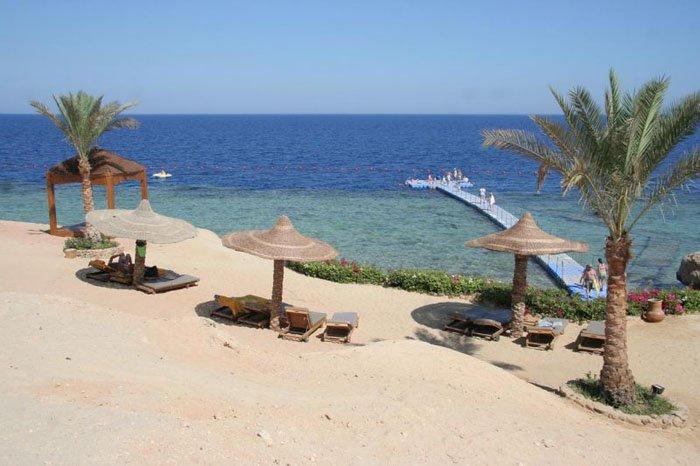 Пляж отеля Monte Carlo Sharm El Sheikh 5* (Монте Карло Шарм-эль-Шейх 5*)