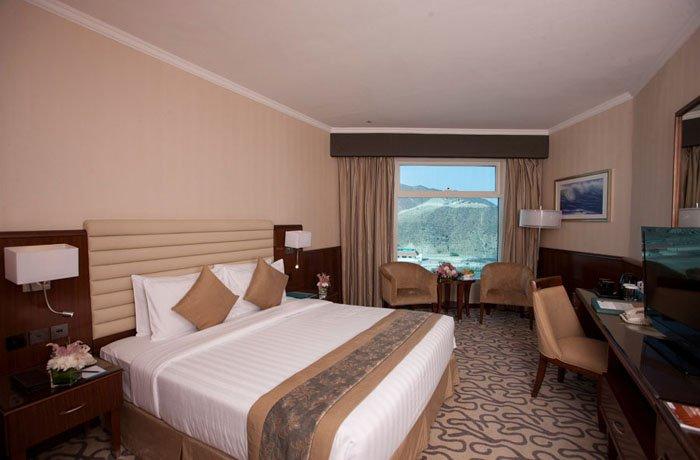 Номер Standard Room отеля Oceanic Khorfakkan Resort & Spa 4* (Океаник Корфаккан Резорт энд Спа 4*)