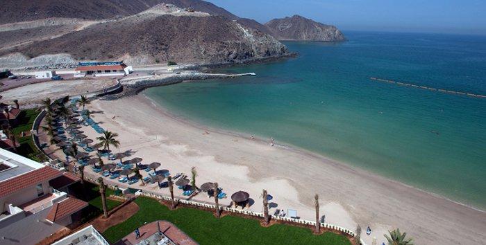 Пляж отеля Oceanic Khorfakkan Resort & Spa 4* (Океаник Корфаккан Резорт энд Спа 4*)