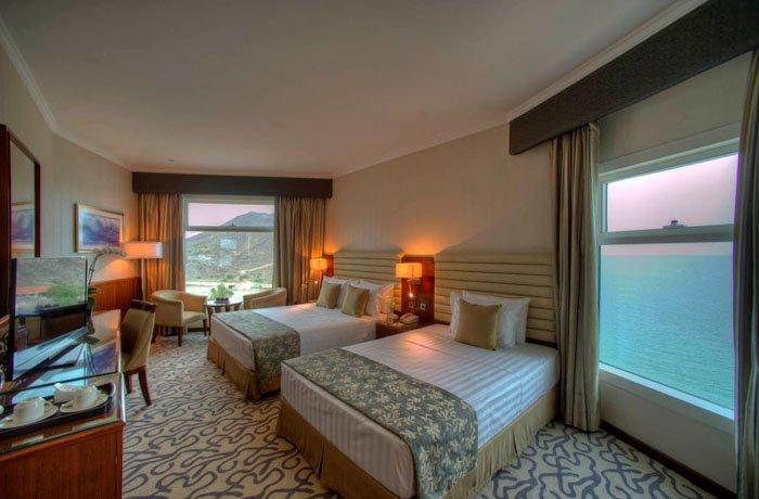 Номер Family Room отеля Oceanic Khorfakkan Resort & Spa 4* (Океаник Корфаккан Резорт энд Спа 4*)