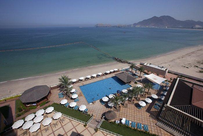 Бассейн отеля Oceanic Khorfakkan Resort & Spa 4* (Океаник Корфаккан Резорт энд Спа 4*)