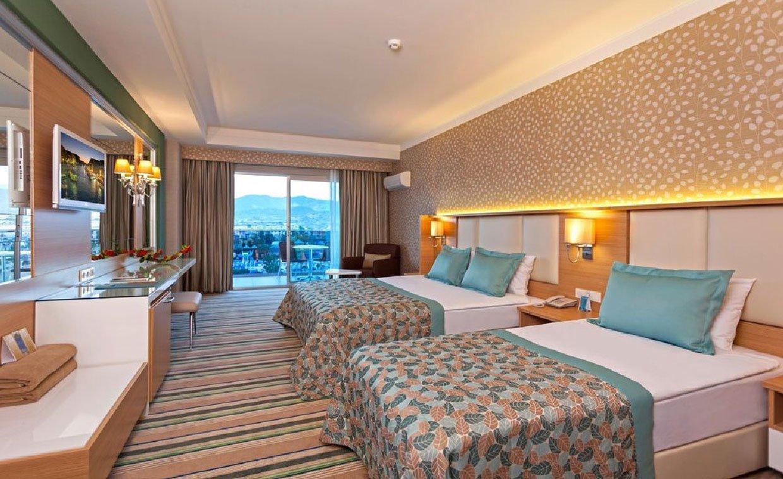 Фото отеля Royal Garden Select & Suite Hotel 5* (Роял Гарден Селект энд Сьют Отель 5*)