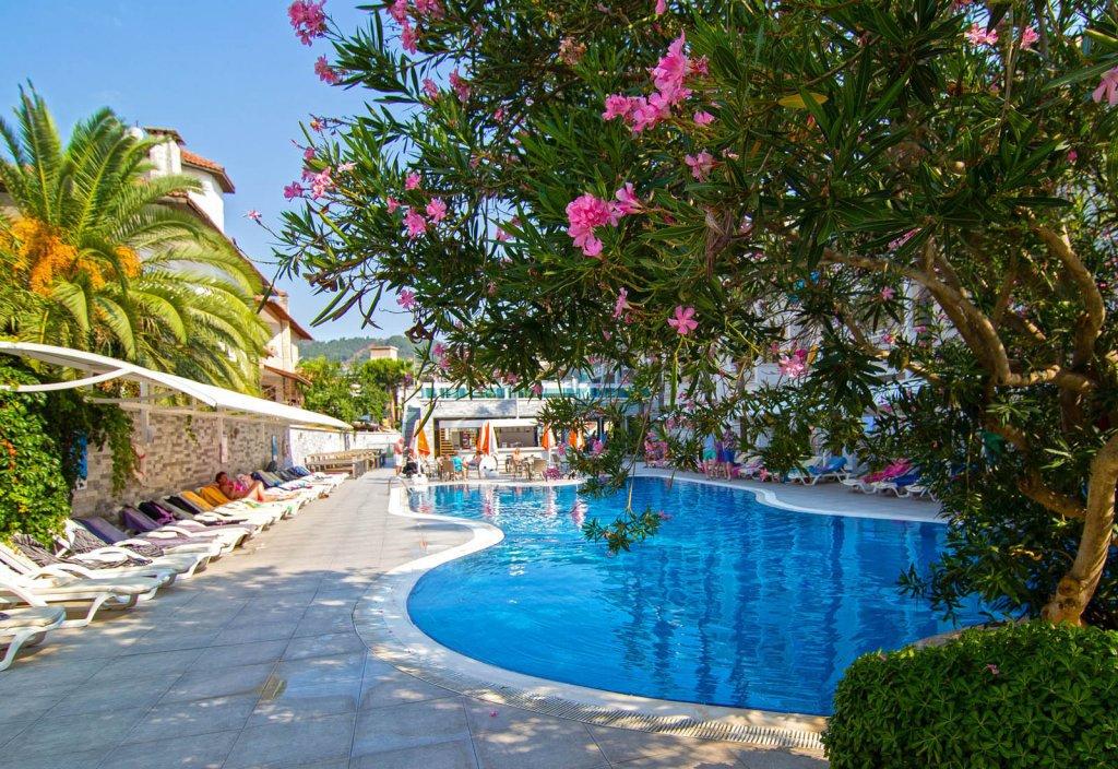 Фото отеля Mirage World Hotel 5* (Мираж Ворлд Отель 5*)
