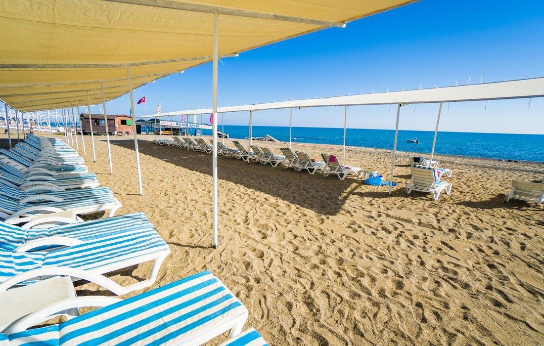 Пляж отеля Avalon Beach Hotel 4* (Авалон Бич Отель 4*)