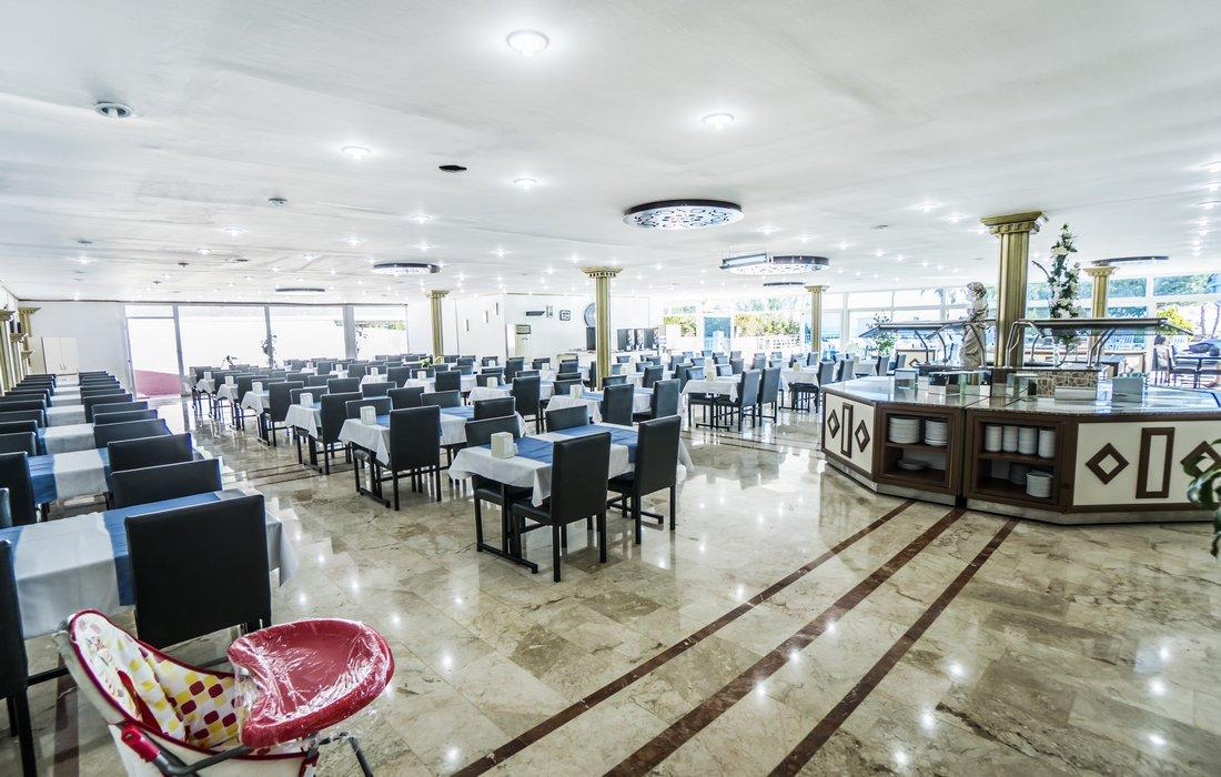 Ресторан отеля Avalon Beach Hotel 4* (Авалон Бич Отель 4*)