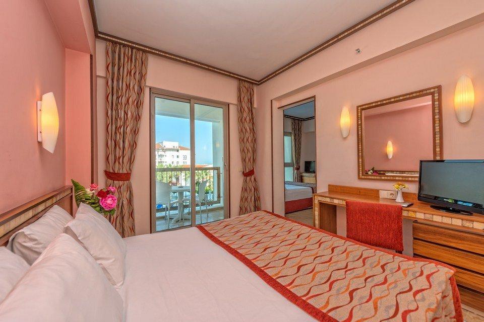 Номер Family Room отеля Royal Atlantis Spa Resort 5* (Роял Атлантис Спа Резорт 5*)