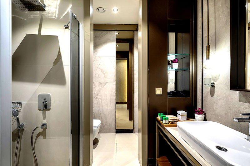 Ванная комната в номере отеля Riolavitas Spa & Resort 5* (Риолавитас Спа энд Резорт 5*)