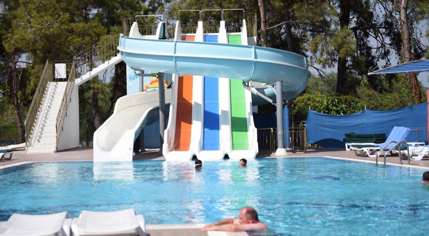 Водные горки отеля Linda Resort Hotel 5* (Линда Резорт Отель 5*)