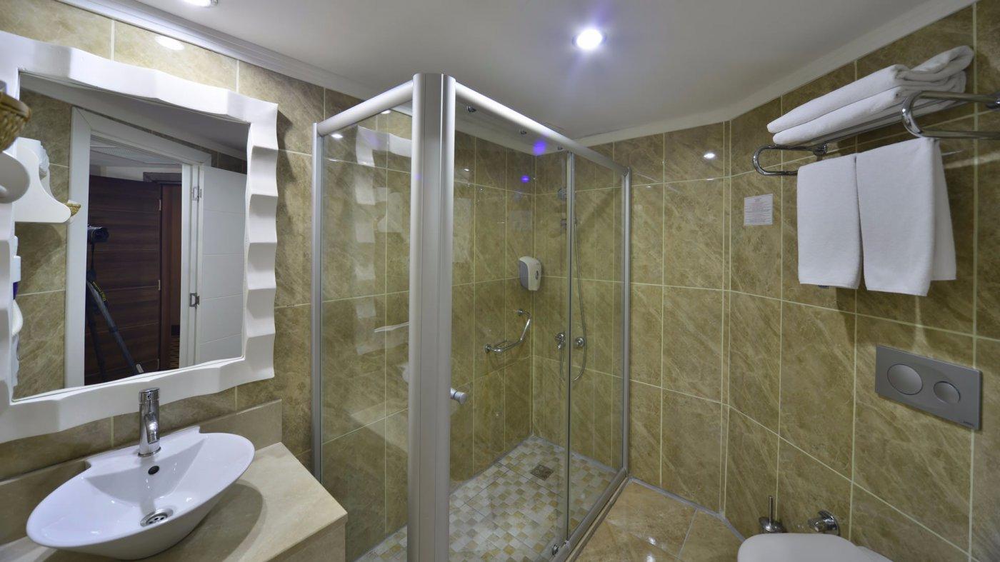 Ванная комната в номере отеля Linda Resort Hotel 5* (Линда Резорт Отель 5*)