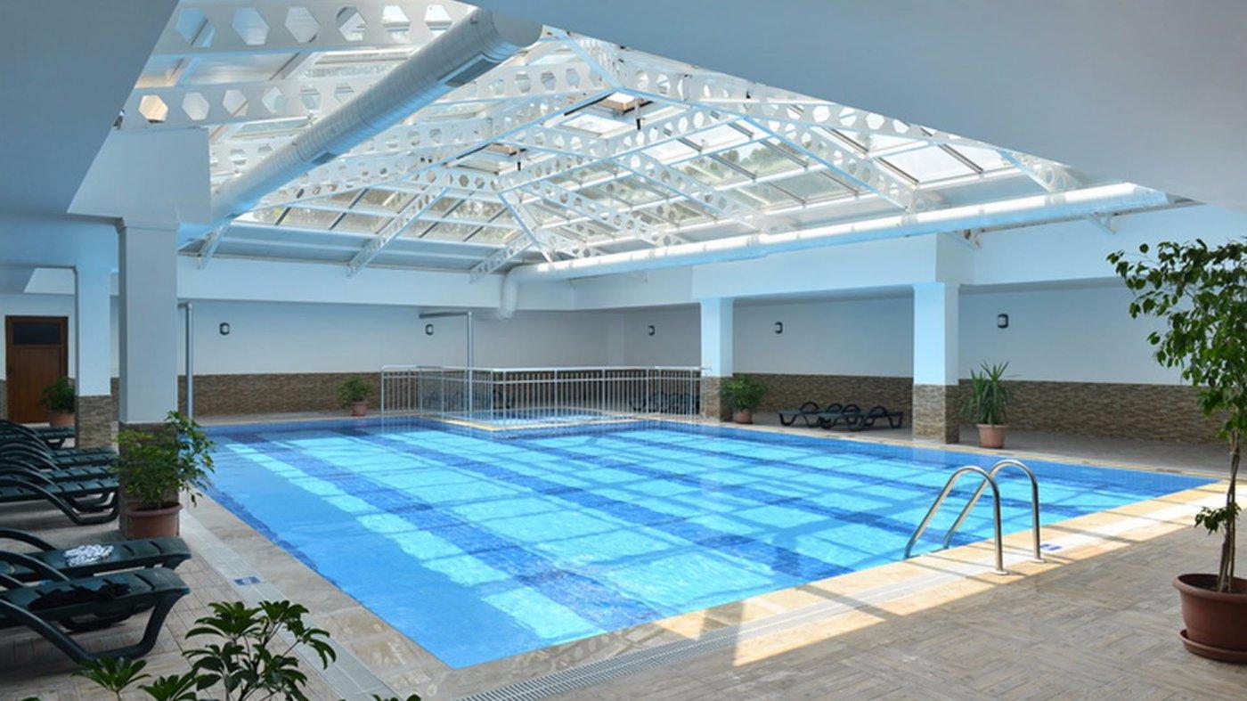 Крытый бассейн отеля Linda Resort Hotel 5* (Линда Резорт Отель 5*)