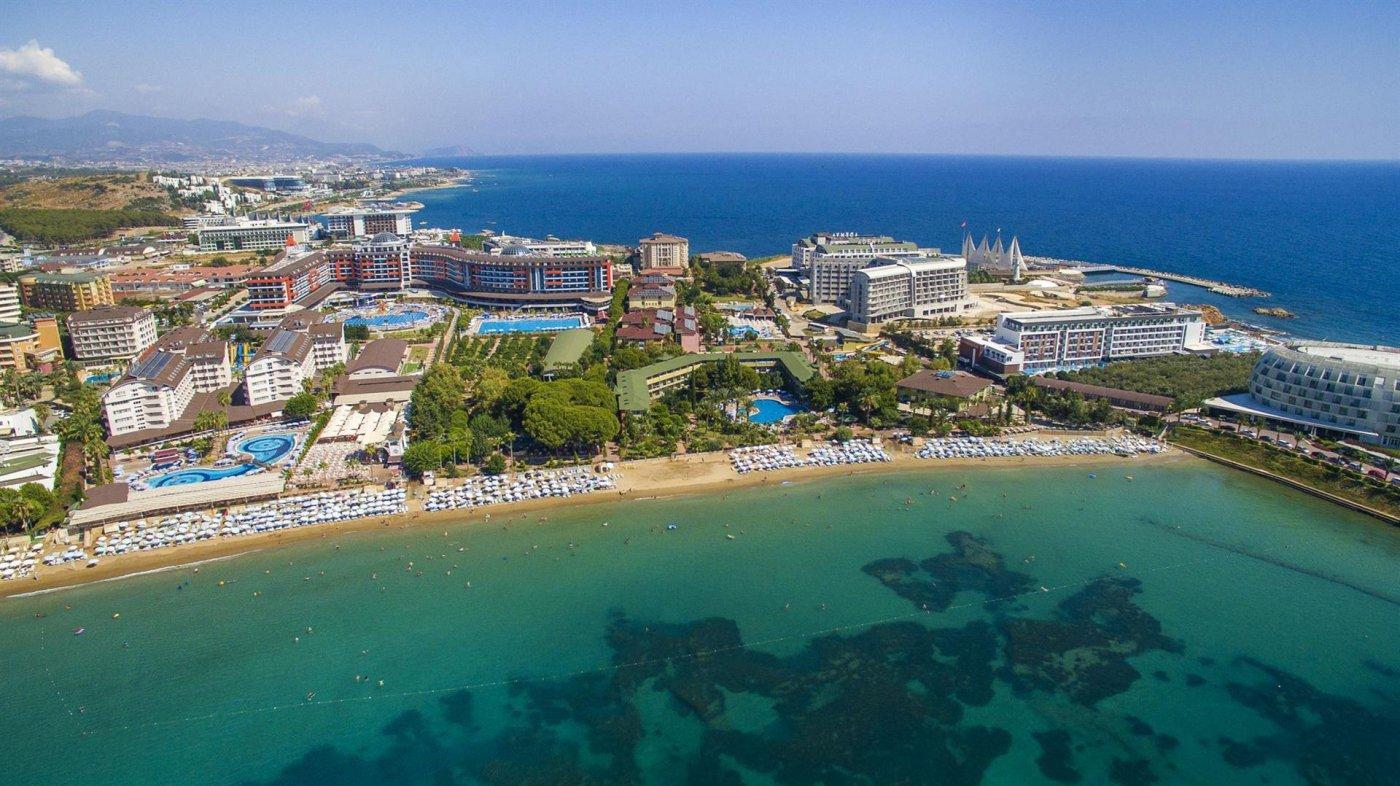 Панорама отеля Lonicera Resort & Spa 5* (Лонисера Резорт энд Спа 5*)